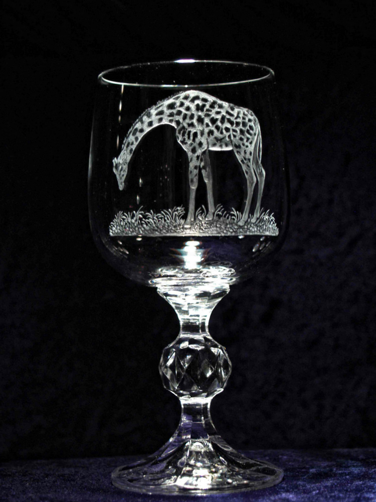 Crystal Wine Glass with Giraffe