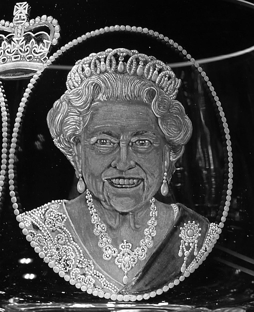 Crystal Bowl   Queen Elizabeth Close-Up