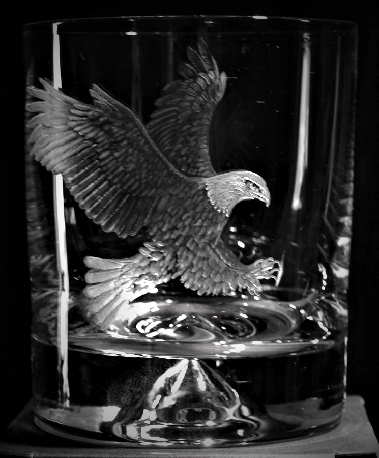 Crystal Glass Tumbler with Eagle