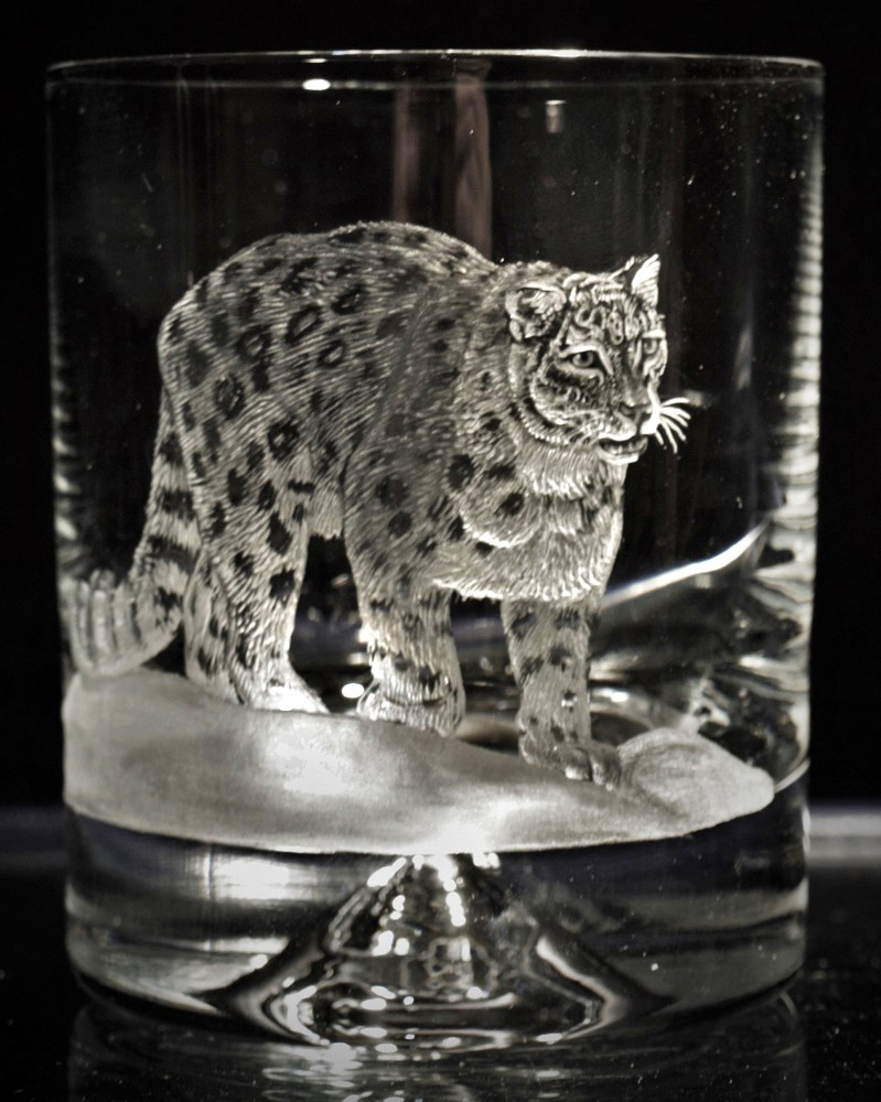 Crystal Glass Tumbler with Snow Leopard