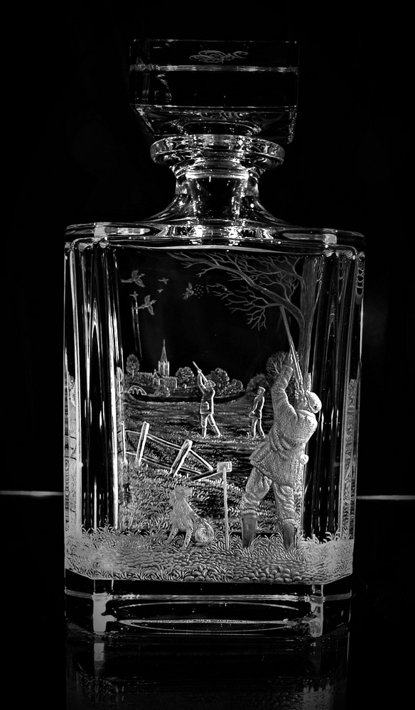 Crystal Glass Decanter with Wingshoot Scene